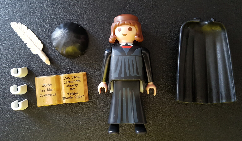 Inhalt und Einzelteile des Playmobil Martin Luther