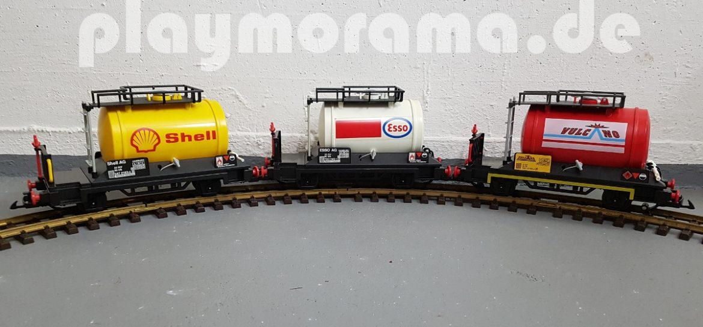 Alle Kesselwagen-Typen von Playmobil - der gelbe Kesselwagen der Shell AG, der weiße Tankwaggon der Esso AG und der rote Tankwagen von Vulcano