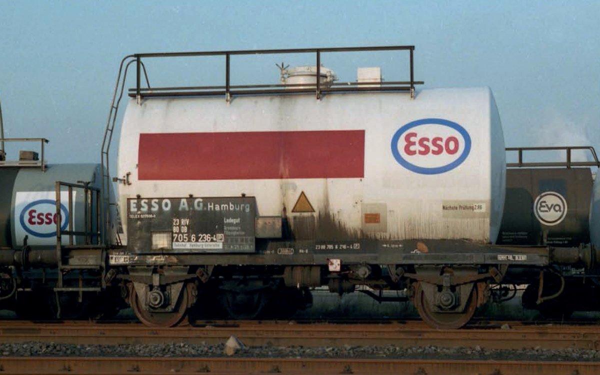 Der Zweiachsinge Kesselwagen der Esso AG in Hamburg - Vorlage für den Kesselwagen von Playmobil