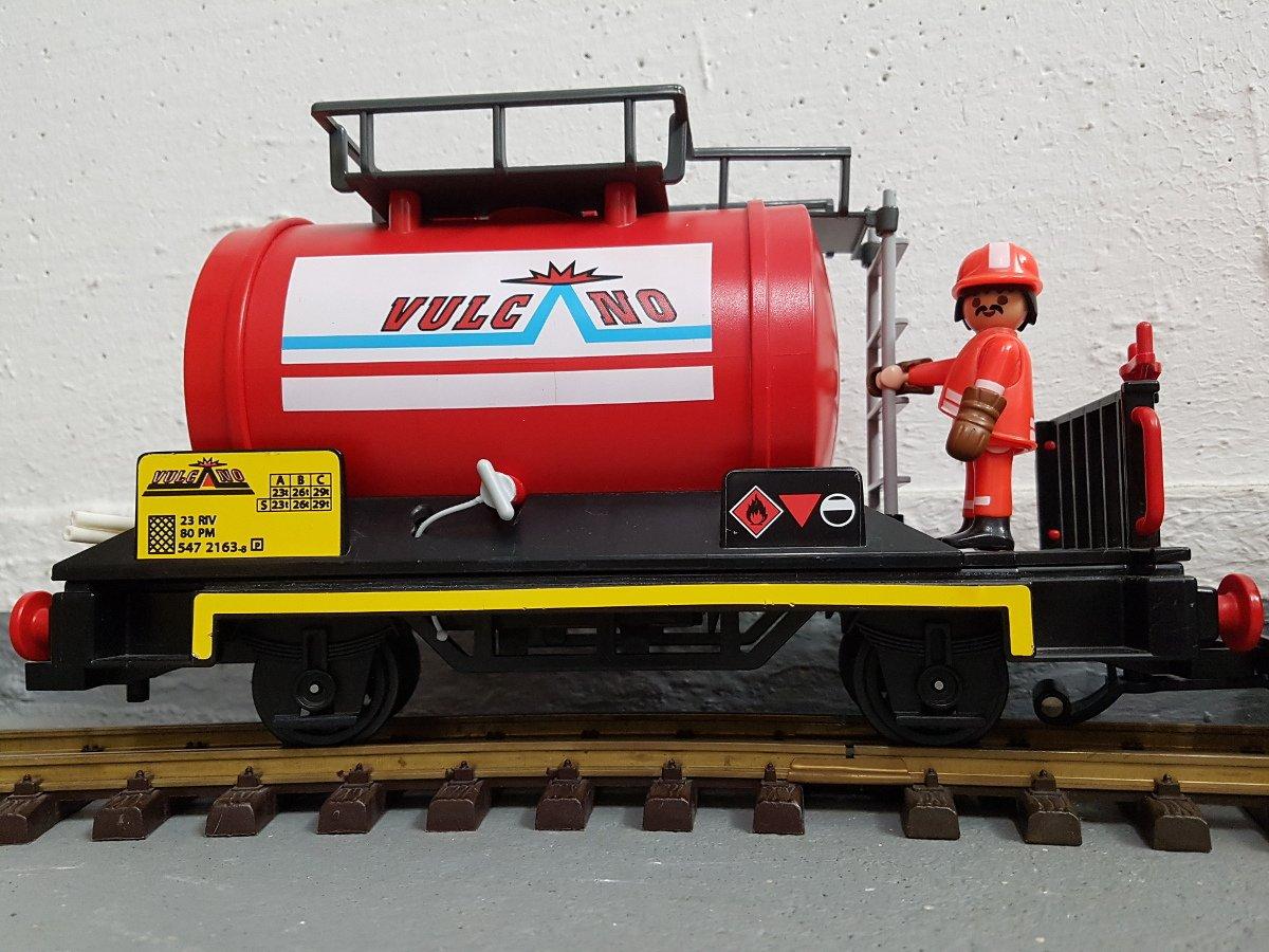 Kesselwagen / Tankwaggon in rot von Vulcano Playmobil