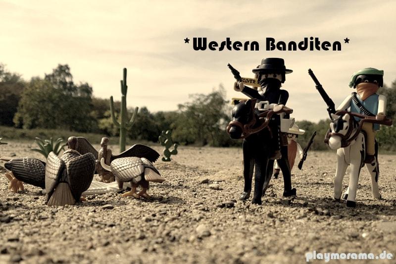 Playmobil Western Banditen 3748 flüchten vor dem Sheriff. Links fressen Gaier ein Rinderkadaver