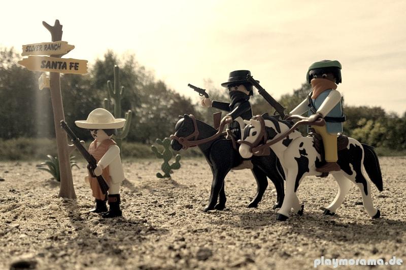 Playmobil Western-Banditen 4748 reiten durch die Wüste