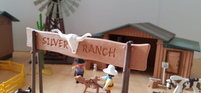 Das Western-Windrad betreibt eine Wasserpumpe zur Be- und Entwässerung auf der Silver Ranch