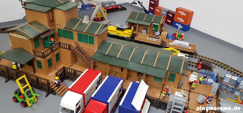 Playmobil Güterabfertigung 4305 Eigenbau mit Lagerhaus am Rangierbahnhof.