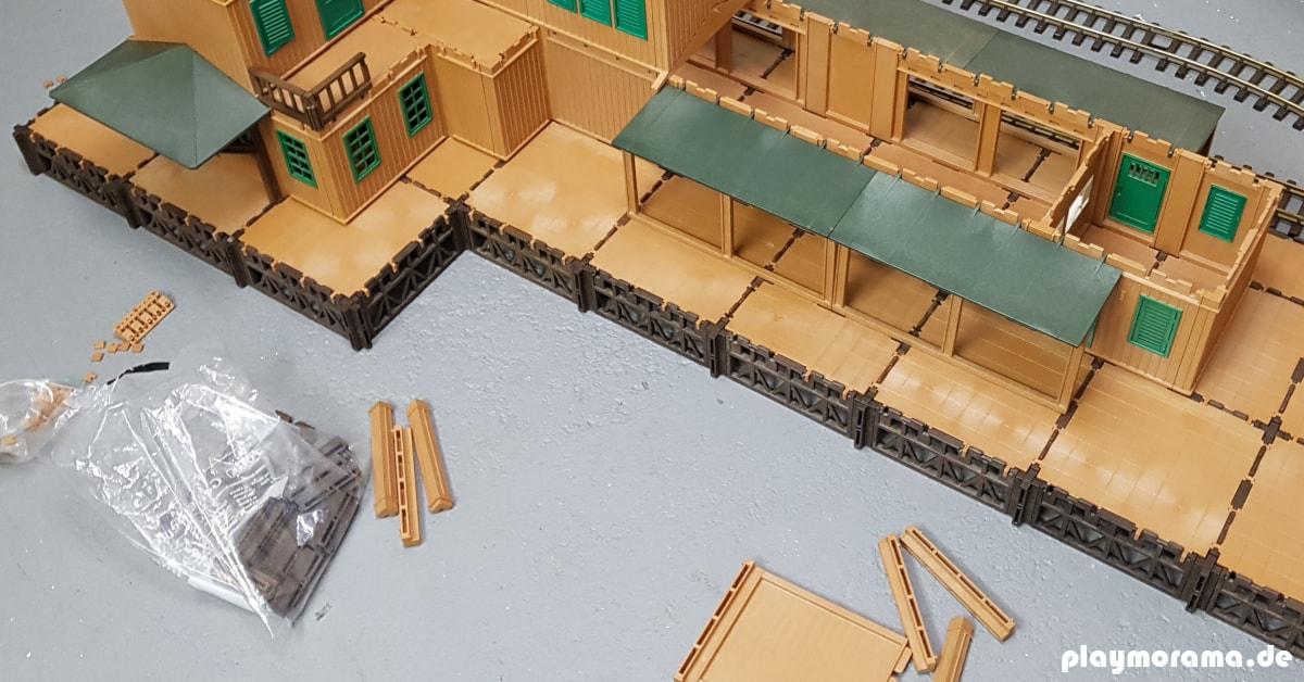 Der Rohbau des Playmobil Güterbahnhofs ist fertig