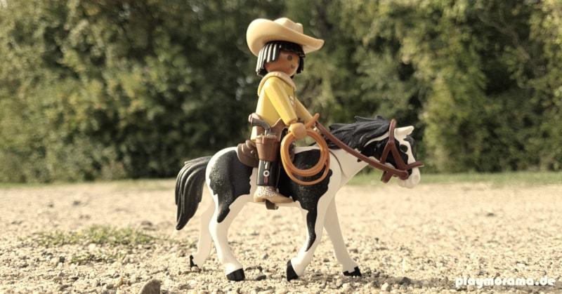 Custom Playmobil Indianer reitet Richtung Westen