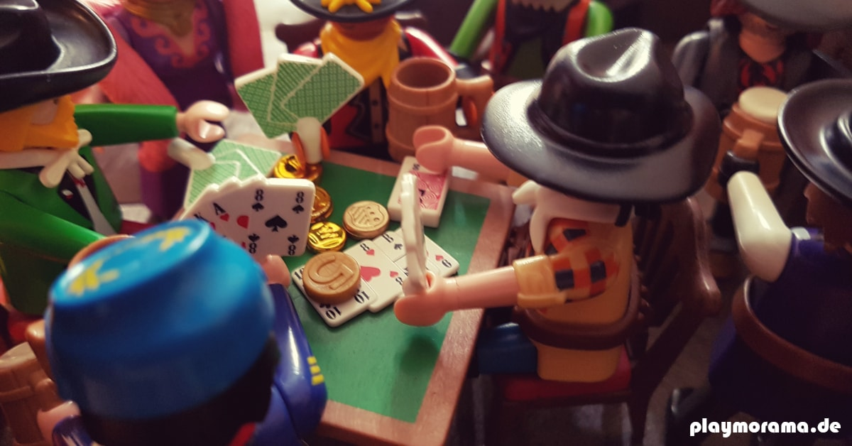Playmobil Cowboys bei Poker Spielen im Saloon