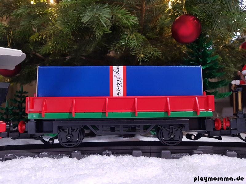 Niederbordwagen Weihnachtszug mit Geschenk