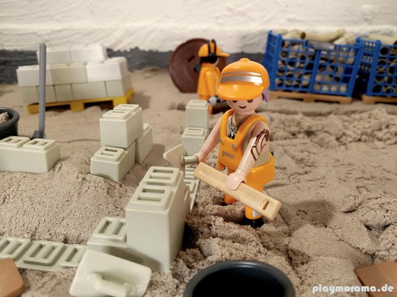 Custom Playmobil-Bauarbeiter. Diese Figur habe ich selbst entworfen.