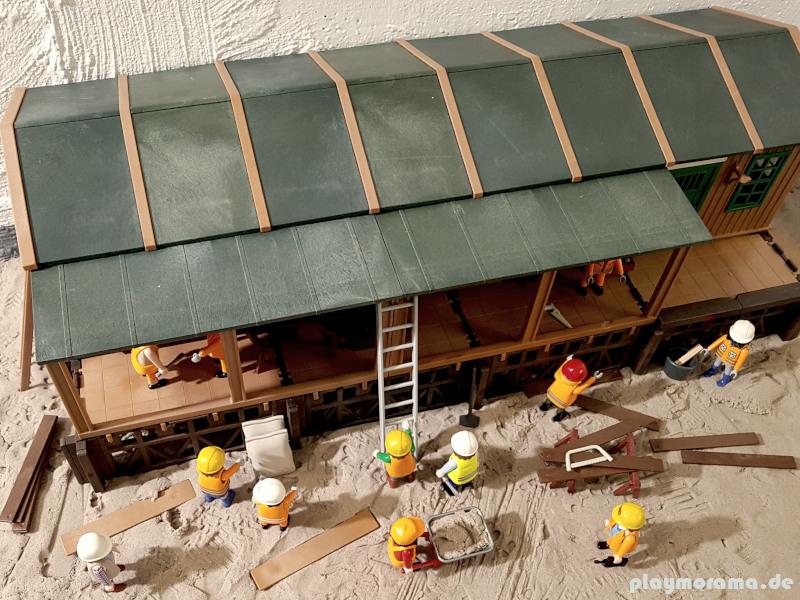 Die Bauarbeiten am Gebäude sind angeschlossen. Die Güterabfertigung steht