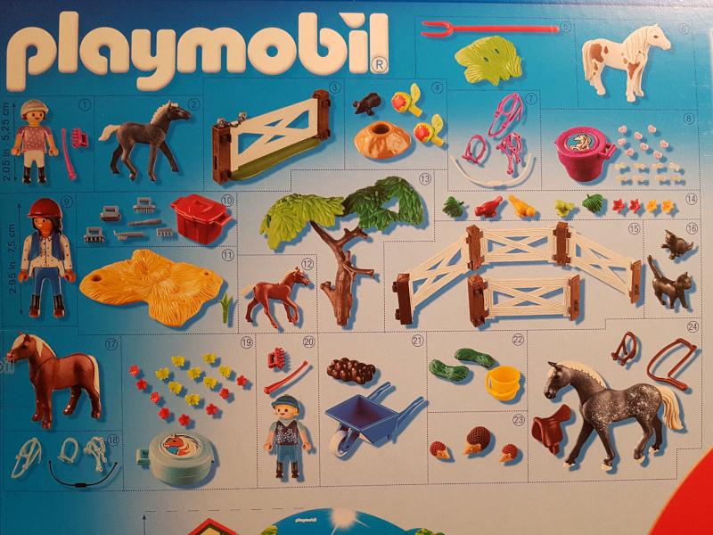 Hinter jedem der 24 Türchen verbirgt sich ein Spielzeug von Playmobil