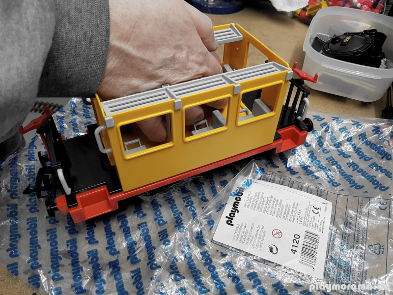 Gelber Western Eisenbahn Waggon 4120 vom Playmobil Direktservice