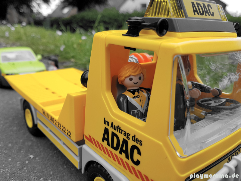 Der Playmobil ADAC Abschleppwagen trifft zeitnah ein