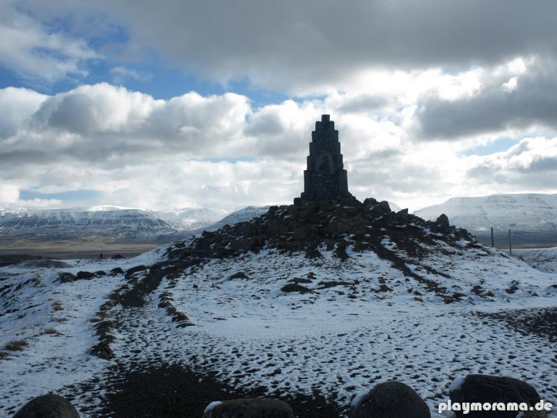 Stephan G. Stephansson Denkmal auf der Passhöhe des Vatnsskarð