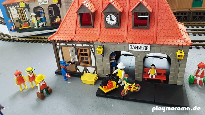 Playmobil Fachwerk-Bahnhof 4300-A