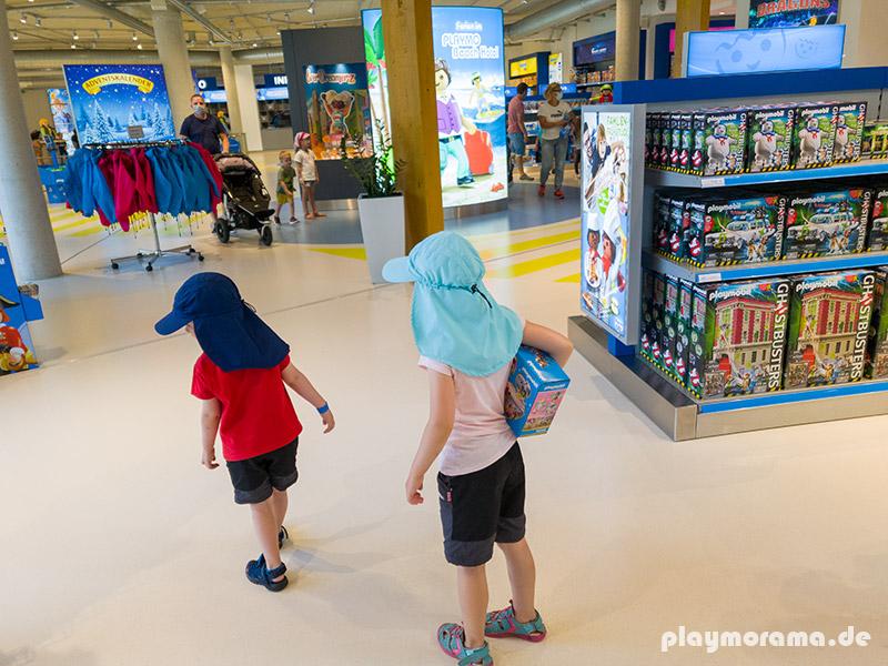 Die Kinder dürfen sich was aussuchen. Playmobil Ghostbusters oder Prinzessin mit Pferdekutsche?